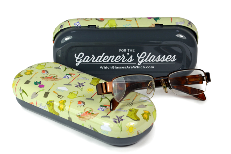 Gardening glasses case with glasses